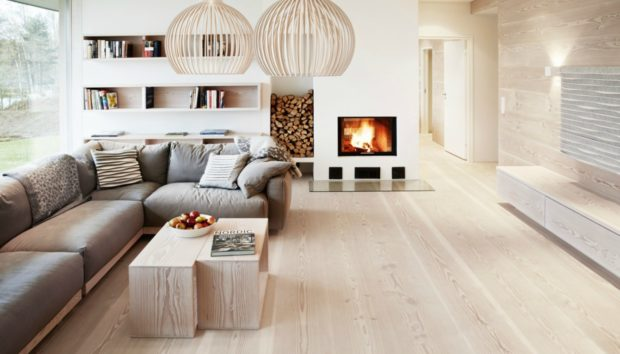 Το πρόβλημα με τα ξύλινα πατώματα τους καλοκαιρινούς μήνες!