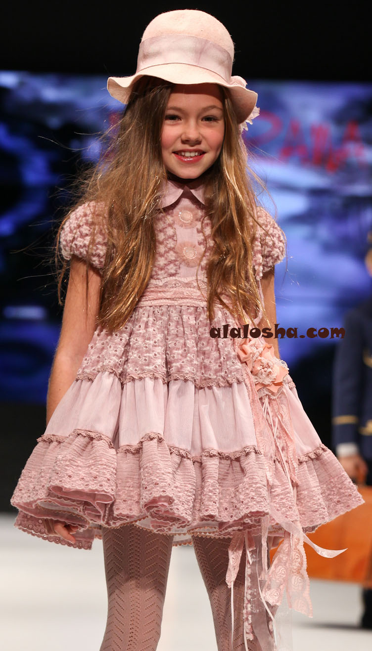 Alalosha Vogue Enfants Child Model Of The Day Lёlya: Larrana FW2013/2014 FIMI FASHION SHOW