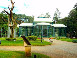 Chafariz da Esquerda do Palácio de Cristal, em Petrópolis