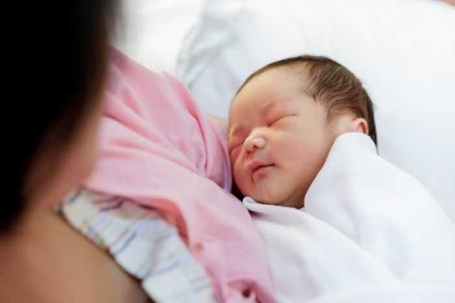 Cara Merawat Bayi Baru Lahir: 4 Hal Penting & Mendasar Ini Wajib Anda Ketahui