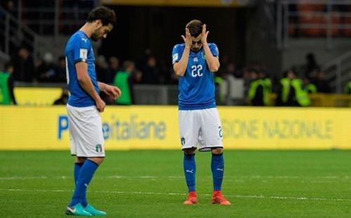 Bóng đá Ý rơi vào khủng hoảng sau khi tuyển quốc gia không thể đến Nga