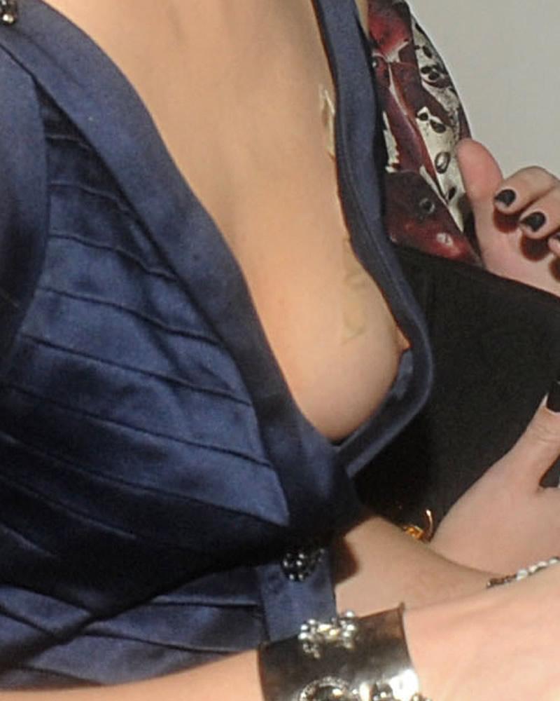 Boyfriend catches girlfriend making an ffm threesome video 4