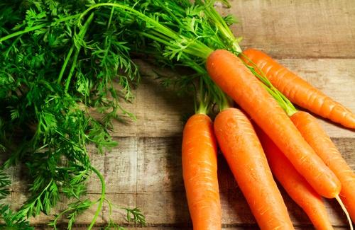 cuidar la salud comiendo zanahoria