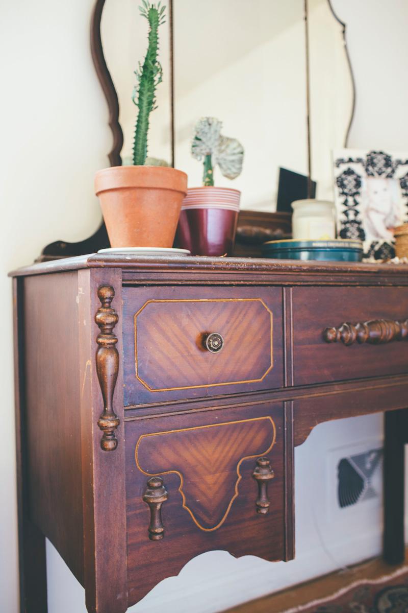 antique bedroom vanity details