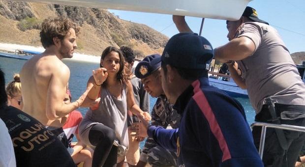 Evakuasi 15 Wisatawan Asing ke Pelabuhan Labuan Bajo