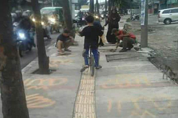 Inilah Nasib Pelaku Lafaz Allah di Trotoar Bandung