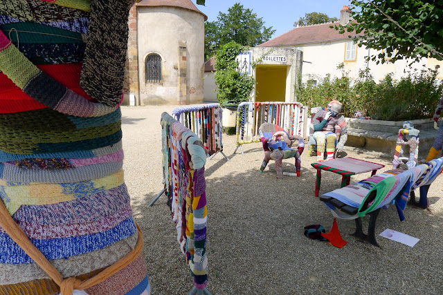 De Paris à Narbonne en vélo, La laine de Pierrefitte-sur-Loire