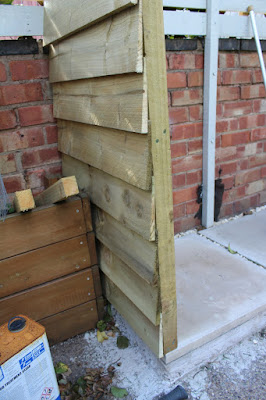 garden shed with feather edge boards