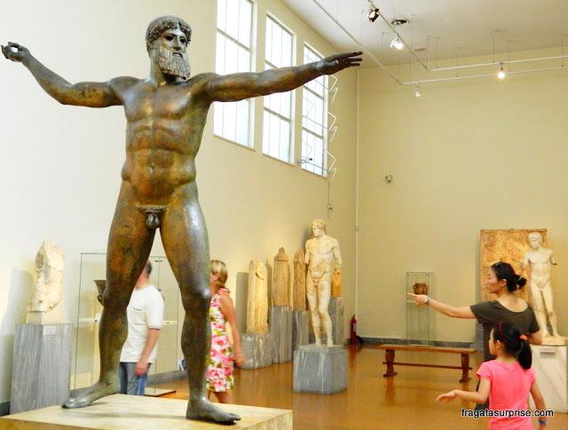 Imagem de Zeus no Museu Nacional de Arqueologia de Atenas, Grécia