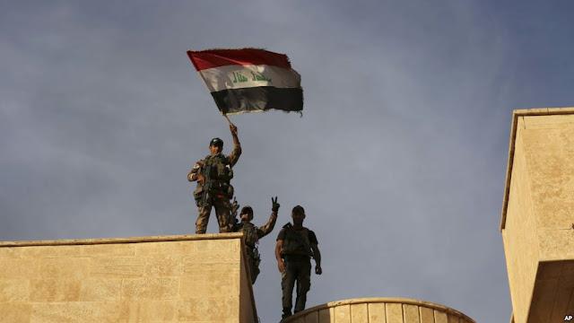 O Exército do Iraque invadiu neste sábado (22) uma cidade cristã que estava sob controle do Estado Islâmico desde 2014, parte de operações apoiadas pelos Estados Unidos para liberar as entradas de Mosul, o último grande bastião urbano dos militantes no Iraque