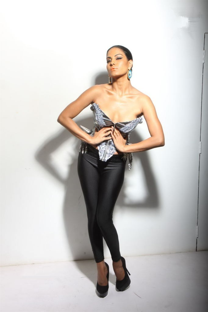 actress veena malik hot photoshoot. Black Bedroom Furniture Sets. Home Design Ideas