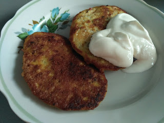 вкусные рецепты, быстрые закуски, кулинарное, салаты, готовим дома, домашняя еда, вкусная выпечка, крабовый салат, запеченные кабачки, оригинальная яичница, перепелиные яйца, оладьи из кабачков