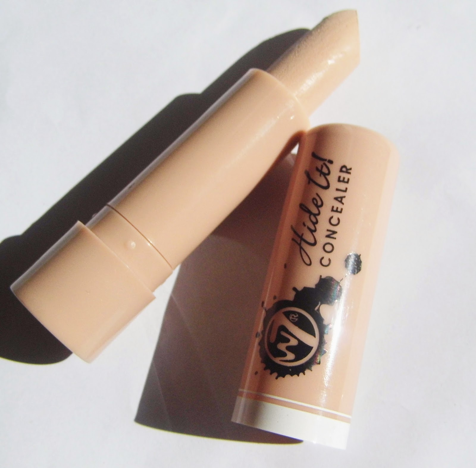 w7-cosmetics-hide-it-concealer-picture