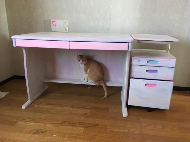 【DIY】学習机をリメイク。ホワイトとパステルカラーの可愛い机と棚に。