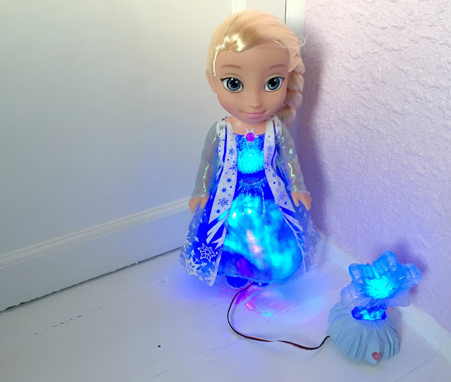 Frozen Northern Lights Elsa doll review