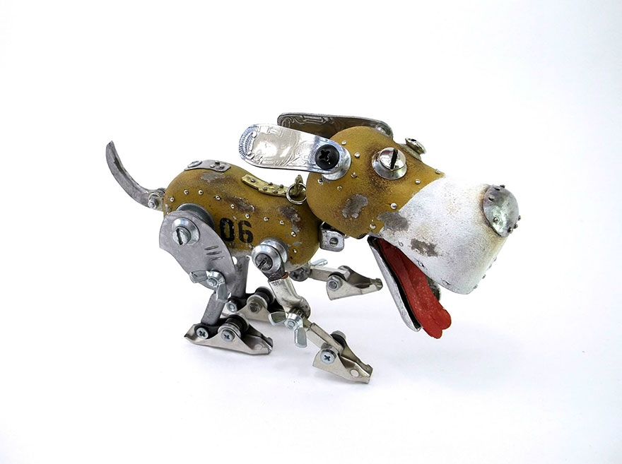 06-Dog-Igor-Verniy-Recycled-and-Upcycled-Animal-Steampunk-Sculptures-www-designstack-co