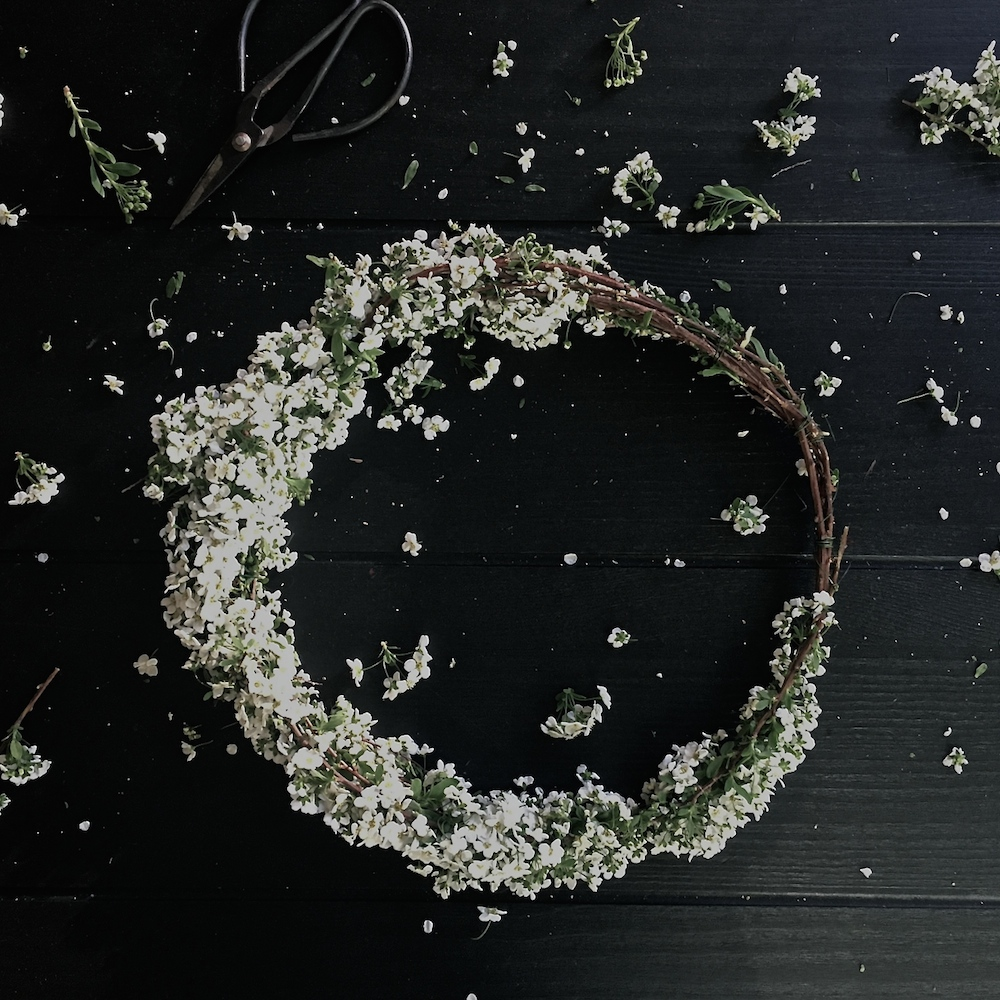 DIY FLORAL CROWN _ ANYA JENSEN PHOTOGRAPHY - HYGGE