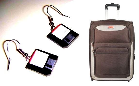 gantungan tas koper unik disket