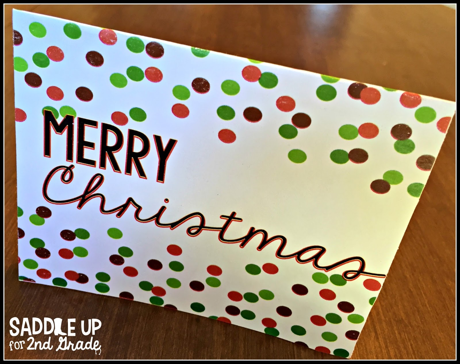 This FREE Christmas card printable is perfect for the holiday season. You can use it for thank you cards to send a quick note to friends and family. Grab it on my blog for FREE!