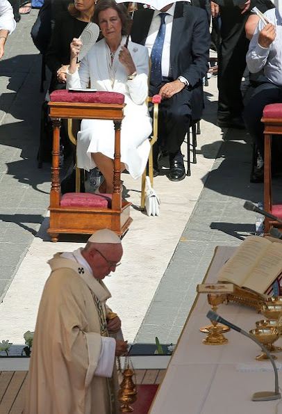 Queen Sofia of Spain attended Mother Teresa's Canonization mass celebrated