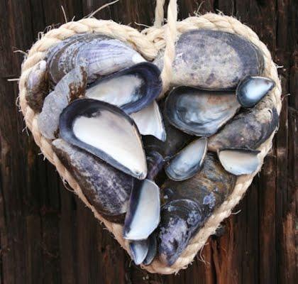 mussel shell heart
