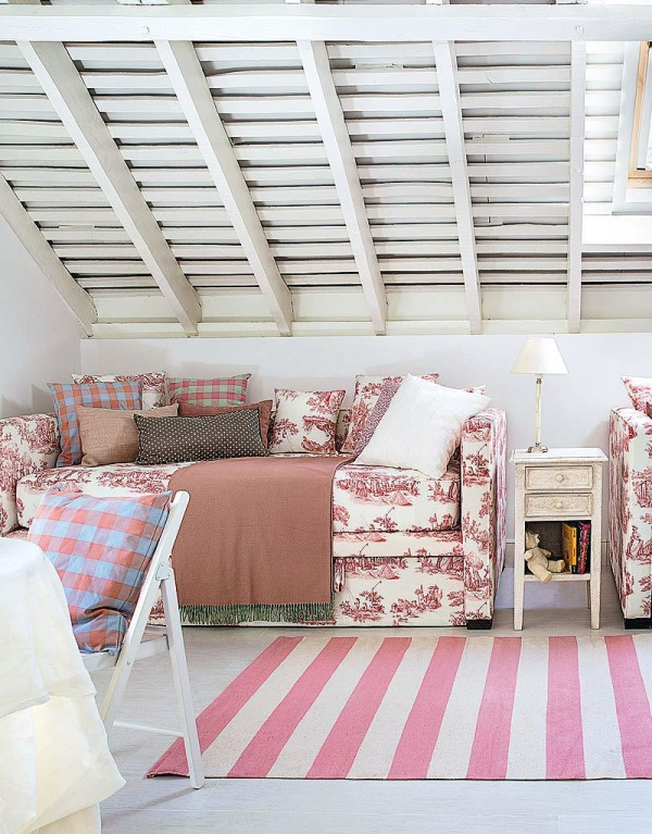 Una camera per tre al femminile case e interni - Camera per ragazze ...