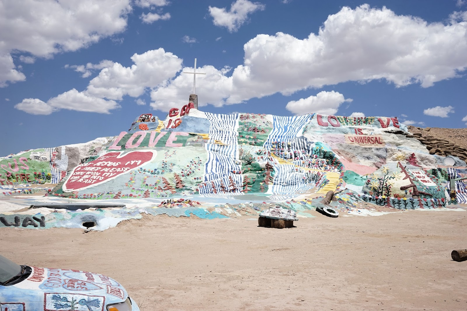 God is love, Welcome to Salvation Mountain //