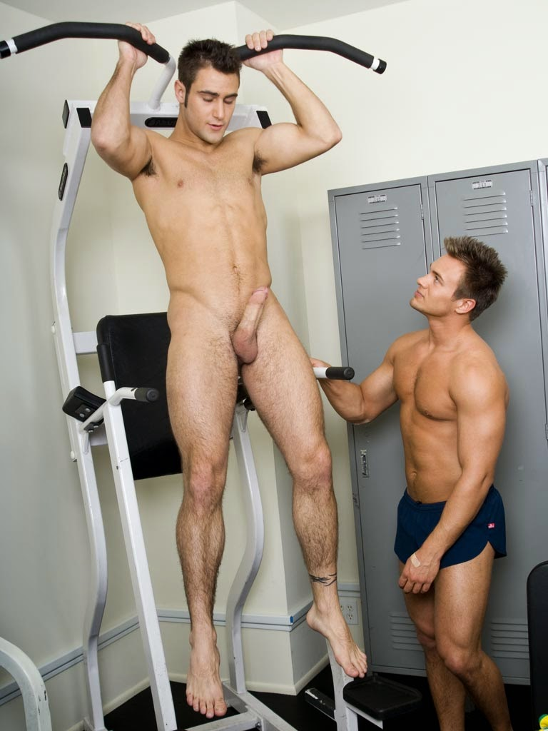 Sporty guys naked — pic 4