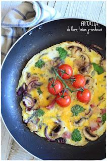 Fritatta de huevo, beicon y verduras - Receta fácil