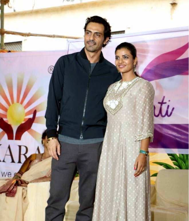 Arjun Rampal and Aishwarya Rajesh Support U-Vati by Yogita Gawli at Dagdi Chawl