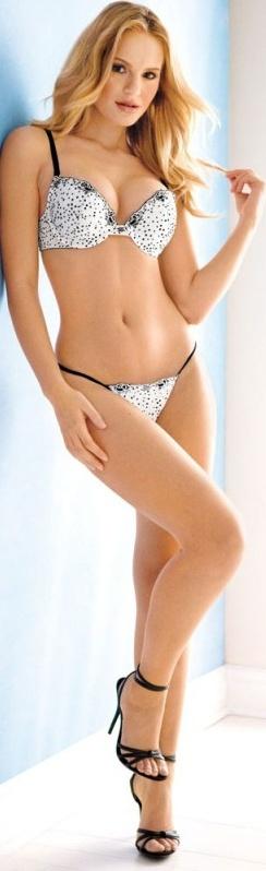 Bikini Ebony Nude Screensaver Free HD