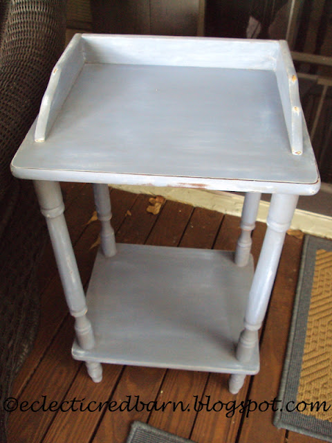Eclectic Red Barn: Painted and Disressed Laminate Side Table