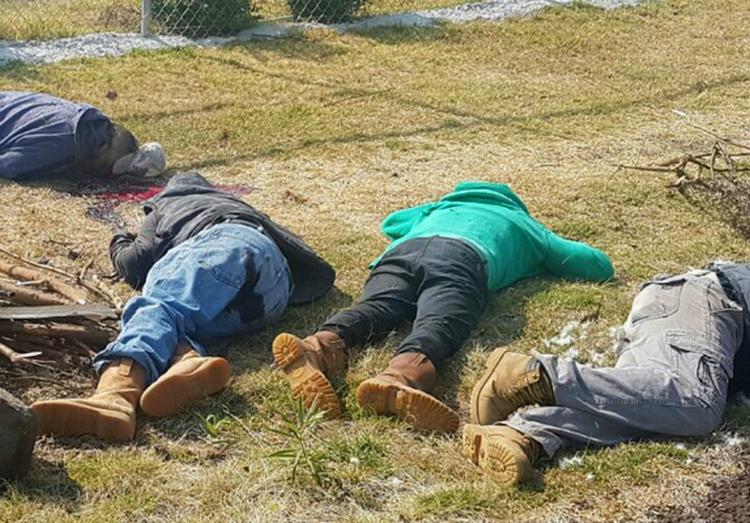 Confirman hallazgo de siete campesinos ejecutados en Michoacán