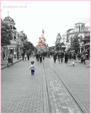 disneyland-paris-castle-running