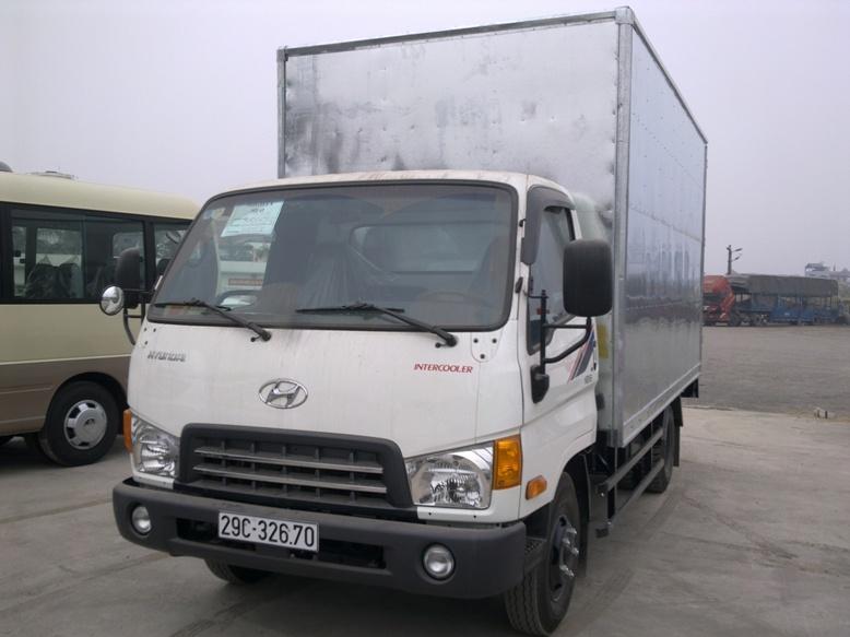 Hyundai HD65 thùng kín tôn hoa