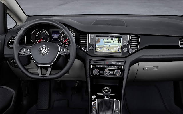 VW Golf Sportsvan R-Line 2016 - interior