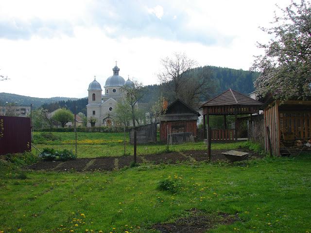 Виды со двора мини-гостиницы «У Гавы»