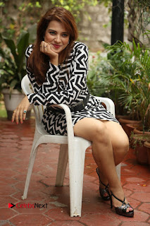 Actress Saloni Latest Pos in Short Dress  0318.JPG
