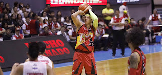 Arwind Santos Free throw