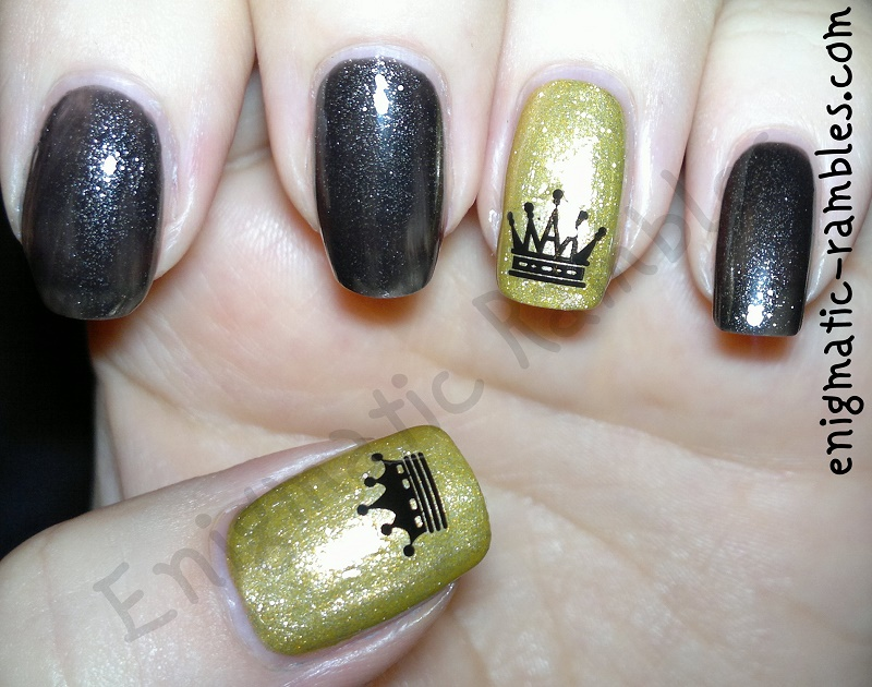 Review-Born-Pretty-Store-Stickers-XF471-ciate-gold-luxe-no.7-beautifully-black-crown-nails