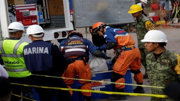 Se estrella helicóptero con ayuda para víctimas por terremoto en México