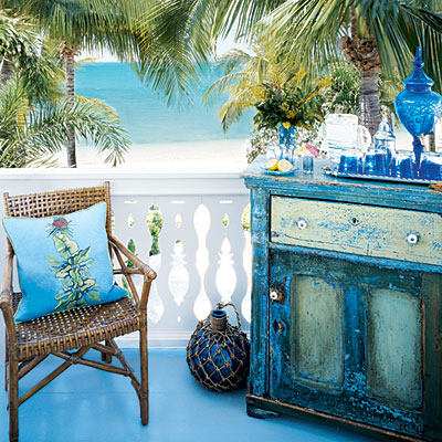 Pleasant Distressed Painted Furniture Ideas For A Coastal Beach Look Largest Home Design Picture Inspirations Pitcheantrous