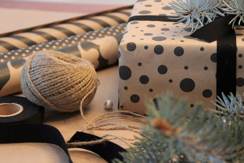 wrapping gifts with rope