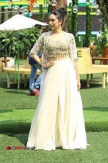 Actress Karishma Kapoor Walks For Arpita Mehta at LFW Summer 2017  0026.jpg