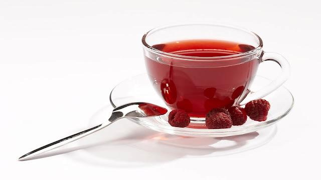 طريقة طبيعية لعلاج التهاب الحلق Tea+Raspberry.jpg