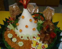 Tradisi Nasi Tumpeng