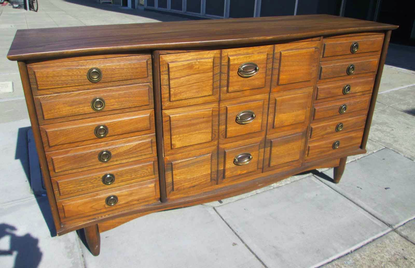 Sold La Period Furniture Company Dresser 175