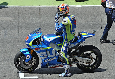 Suzuki dan Yamaha Kompak Duduk Manis Tunggu Vinales