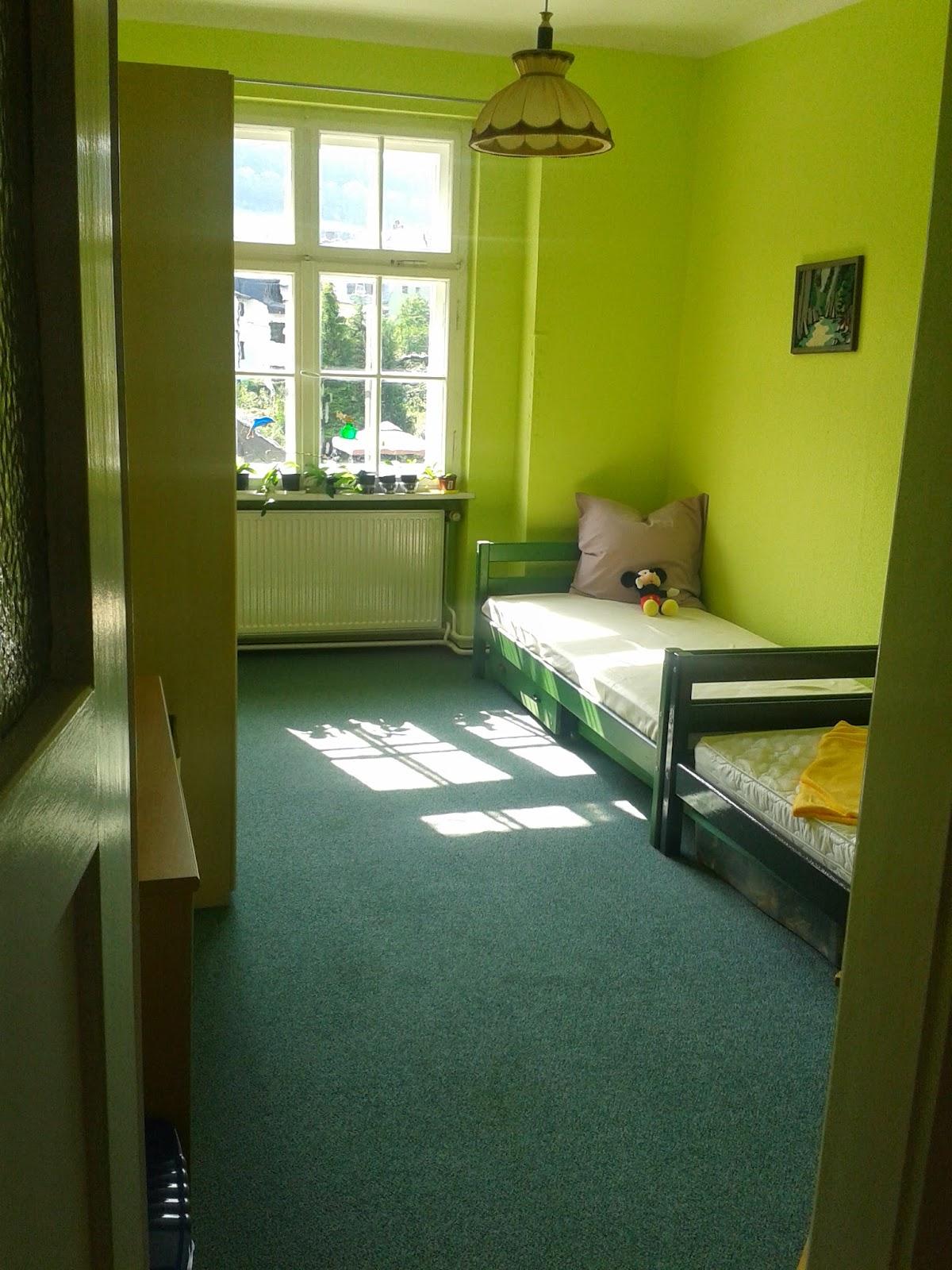 selbstversorgung f r genie er er ffnung der wg f r junge autistische erwachsene. Black Bedroom Furniture Sets. Home Design Ideas