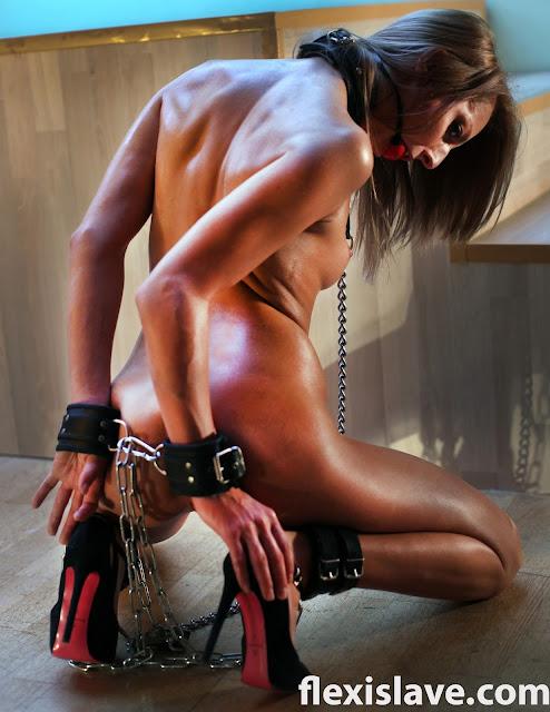 girl tied in pony bondage